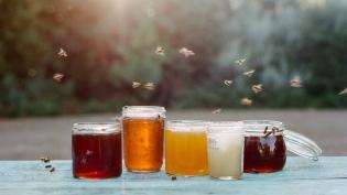 Local honeys in jars